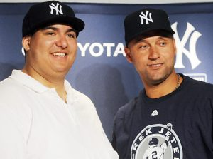 Minimum-wage fan gives Derek Jeter a $300,000 gift. Stupid fan, unethical superstar